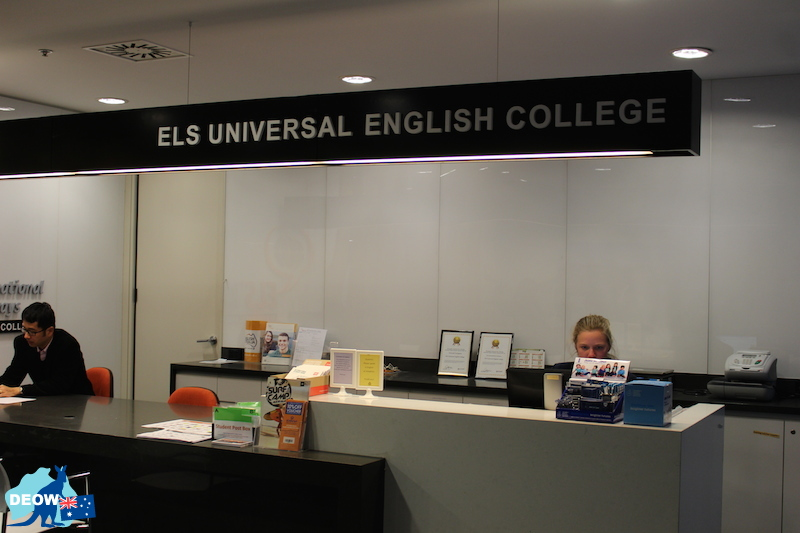 Universal English College(UEC)