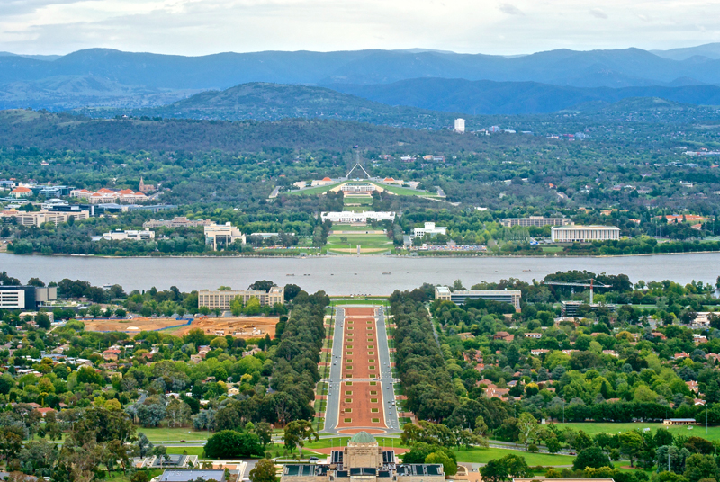 Canberra_viewed_from_Mount_Ainslie_mini