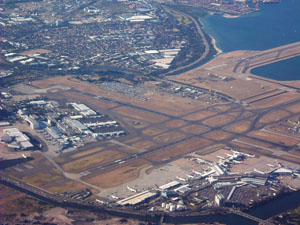 Sydney_Airport_(2004)_By_Air